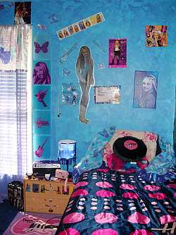 hannah montana bedroom on Pictures And Graphics Of Hannah Montana Or Your Other Favorite Star