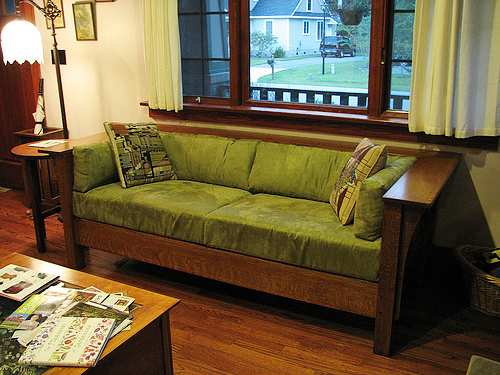 Arts and crafts style furniture interior decorating for Mission style furniture