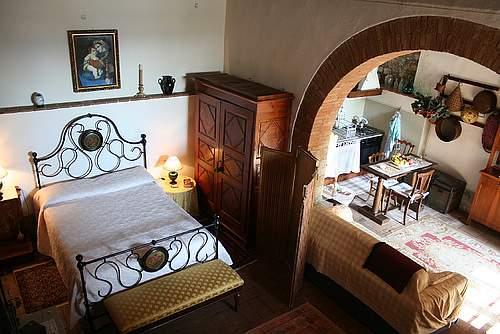 Tuscan Bedroom Decorating Ideas Tuscan Bathroom With Plastered Walls Tuscan Interior Design Hallway